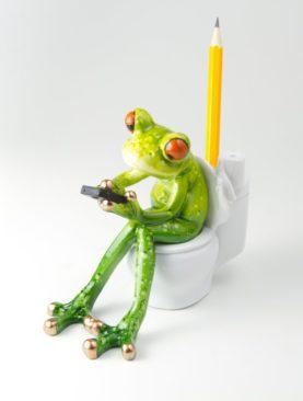 Лягушонок на унитазе - подставка под ручку