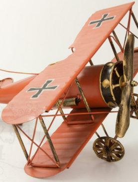 Декоративный самолет
