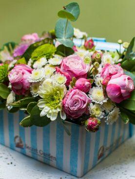 """Цветы в коробке """"Для самой нежной"""""""