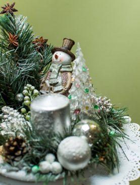 """Новогодняя композиция """"Белым бело"""""""